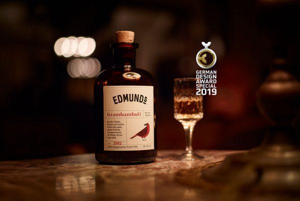 Edmunds-likoer-by-felix-groteloh